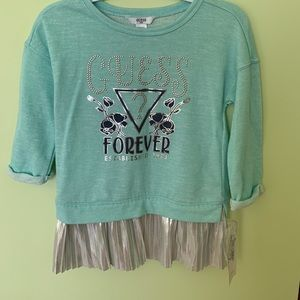 Other - New Guess sweat shirt 6X